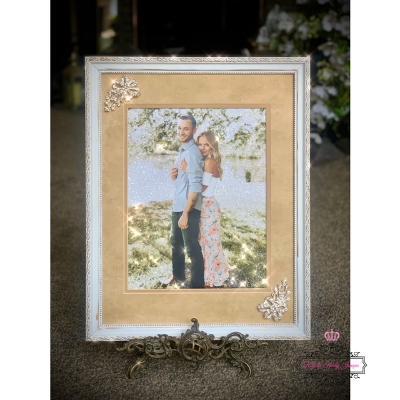 DIY Sparkle Wedding Photo Decor